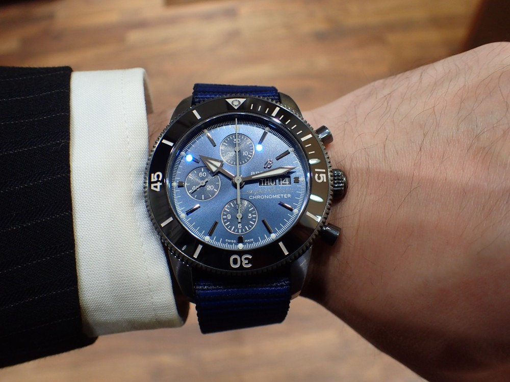 リサイクル素材でベルトを作った時計でecoを感じる ブライトリング スーパーオーシャン・ヘリテージⅡクロノグラフ44アウターノウン-BREITLING -P2140211