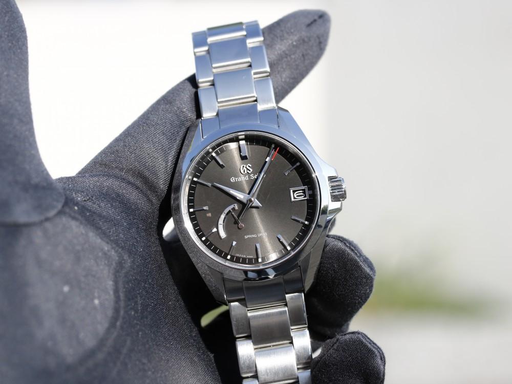 流行に左右されず永く使える1本と言えばグランドセイコー SBGA273-Grand Seiko -MG_0681
