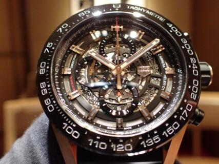 時計映えの季節はブラック×ゴールドで!タグホイヤー ホイヤー01 ラグゴールド