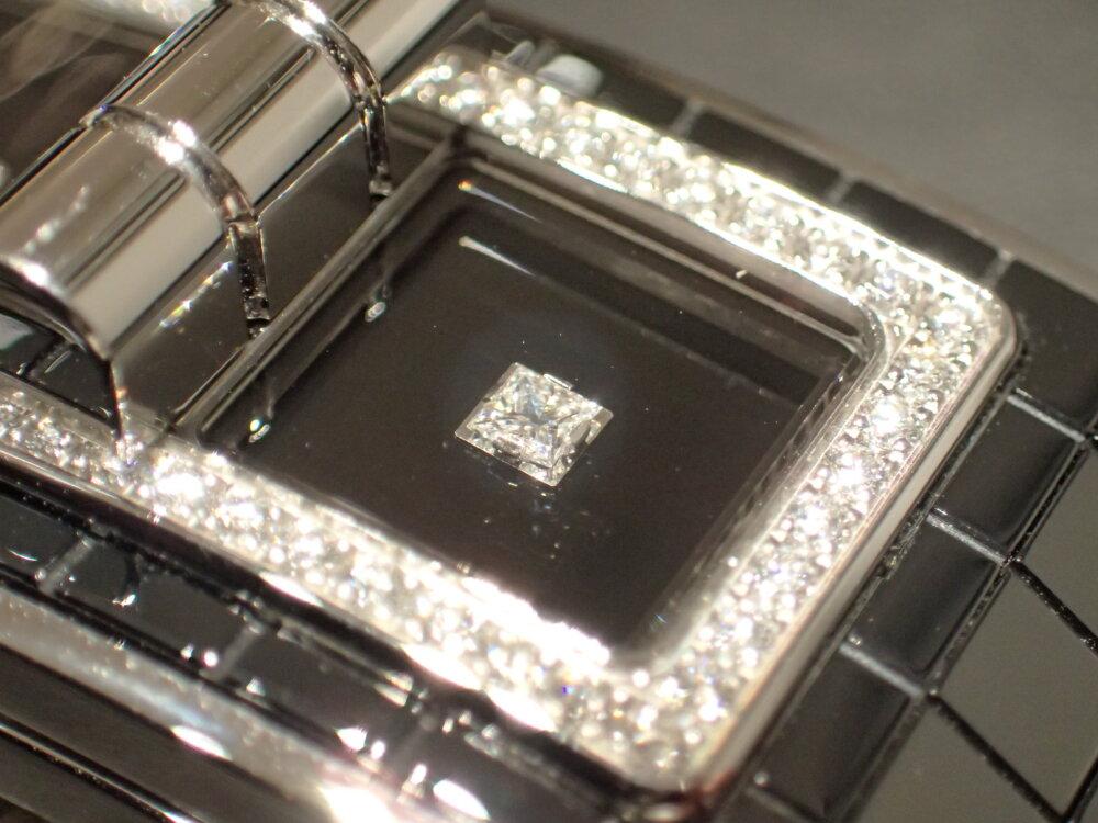 女性らしいコードココはパヴェダイヤと相性バツグン シャネルコードココ×フレッド-CHANEL -P7230868