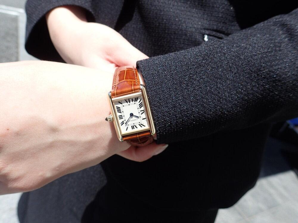 流行に左右されない名作とは? 名作タンクLCが再入荷しました-Cartier -P5240018