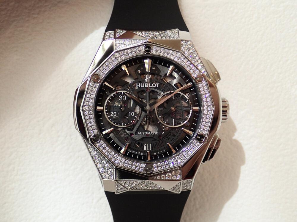 ダイヤモンドのカットを思わせる多面的なウブロ「アエロ・フュージョン クロノグラフ オーリンスキー」-HUBLOT -P8060137