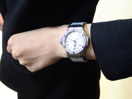 可愛いだけが女性の時計じゃない。スタッフJがおススメするウブロのカッコいいレディス時計