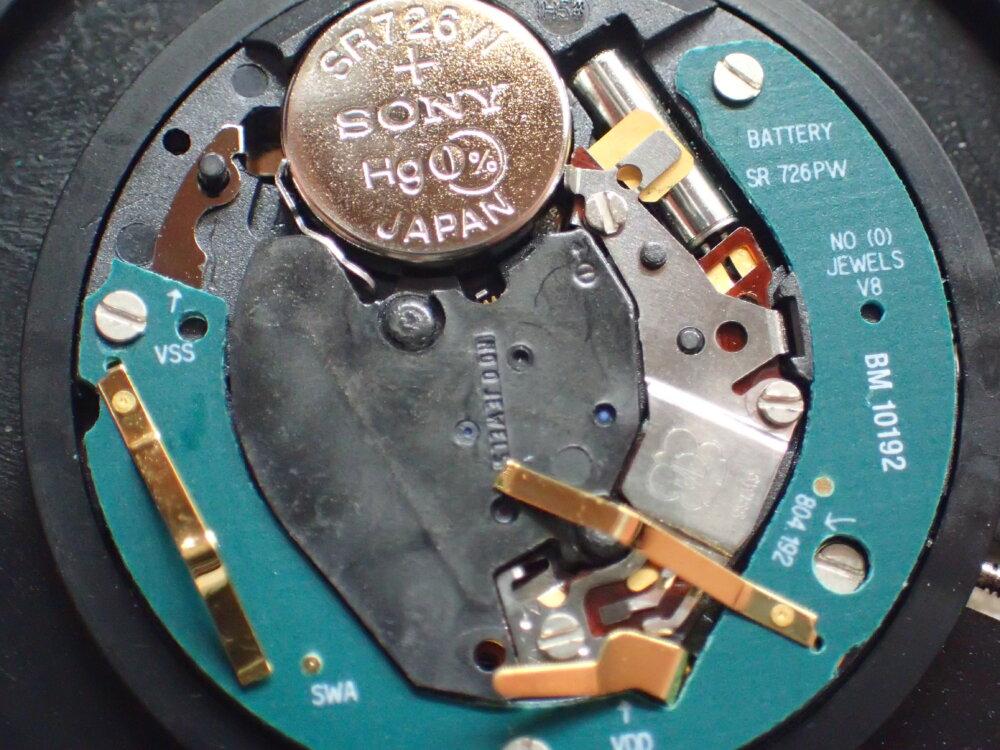 クオーツの時計…止まるのが早くなった?-メンテナンス -P9200226