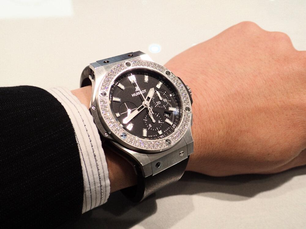 時計のラバーベルトが傷んでしまった時の対処法 ウブロ編-HUBLOT メンテナンス -P9262086