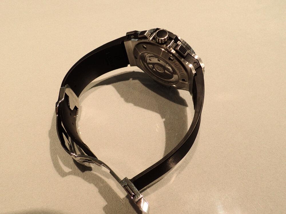 時計のラバーベルトが傷んでしまった時の対処法 ウブロ編-HUBLOT メンテナンス -P9262088