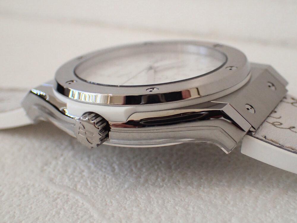 ウブロとベルルッティが融合した3針ホワイトカラーの日本限定モデルはBOXまで豪華な仕様だった-HUBLOT -PA042474