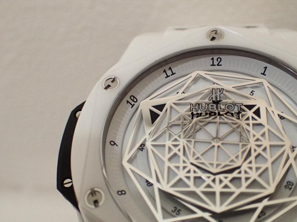 ウブロの2019年新作限定モデル「ウニコ サンブルー セラミックホワイト」のご紹介-HUBLOT -PA130073
