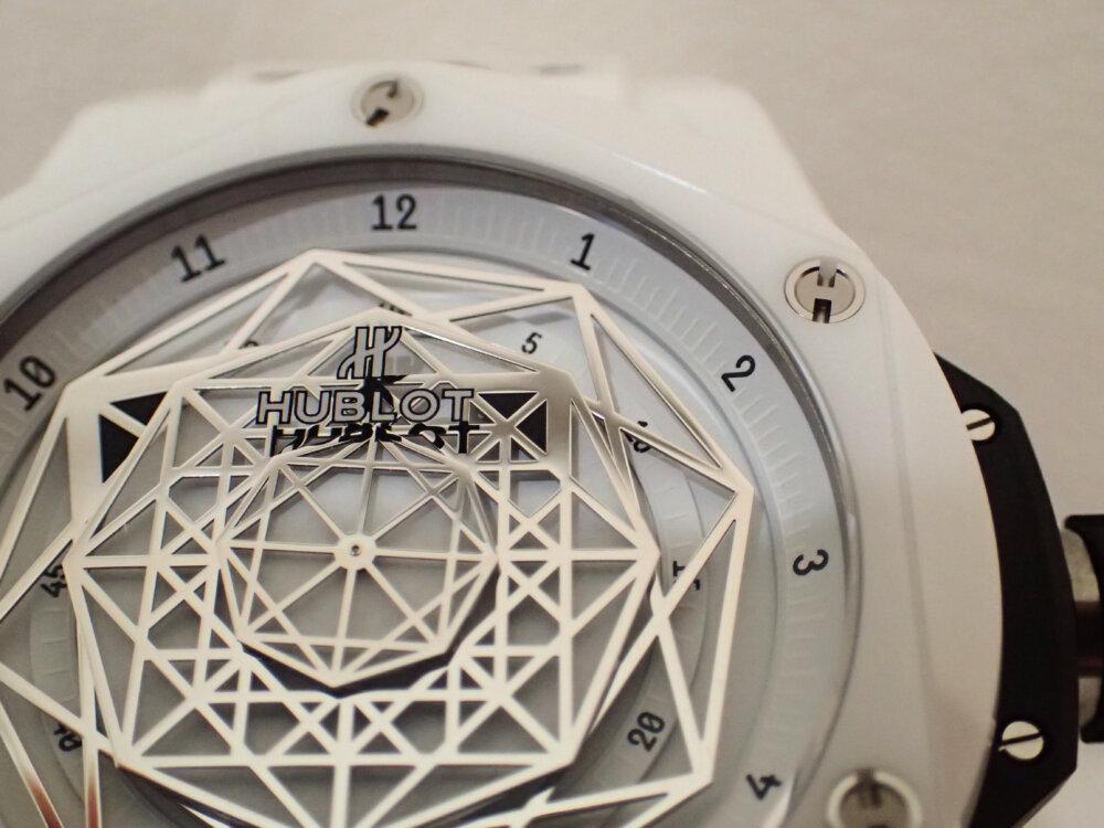 ウブロの2019年新作限定モデル「ウニコ サンブルー セラミックホワイト」のご紹介-HUBLOT -PA130074