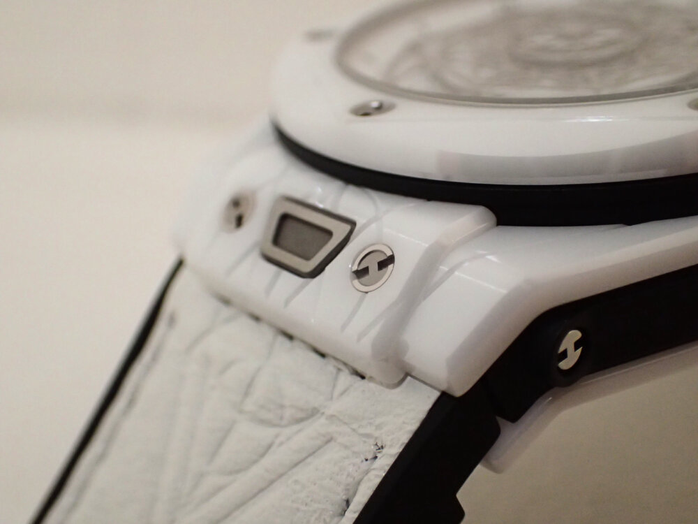 ウブロの2019年新作限定モデル「ウニコ サンブルー セラミックホワイト」のご紹介-HUBLOT -PA130077