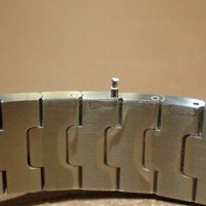 大切な方の腕のサイズわかりますか?サントスならご自身でサイズ調整できるので安心-Cartier -PC102486-300x300
