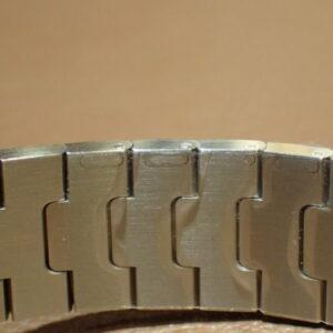 大切な方の腕のサイズわかりますか?サントスならご自身でサイズ調整できるので安心-Cartier -PC102489-300x300