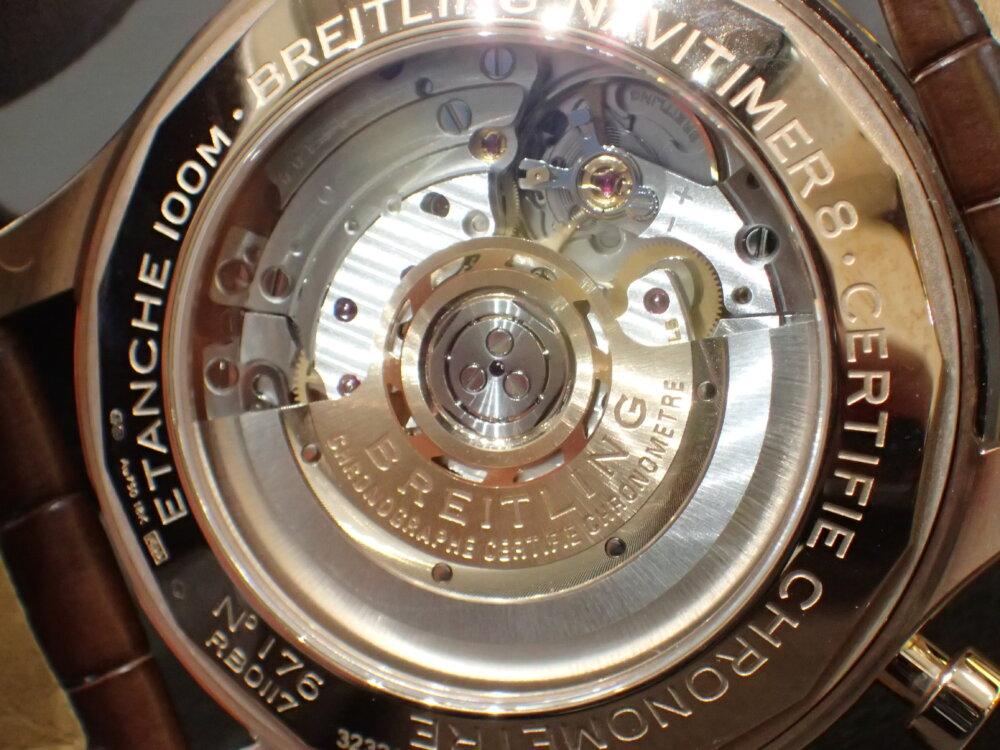 ブライトリング ゴージャスエレガントで男の腕元を格上げ ナビタイマー 8 B01-BREITLING -P2164734