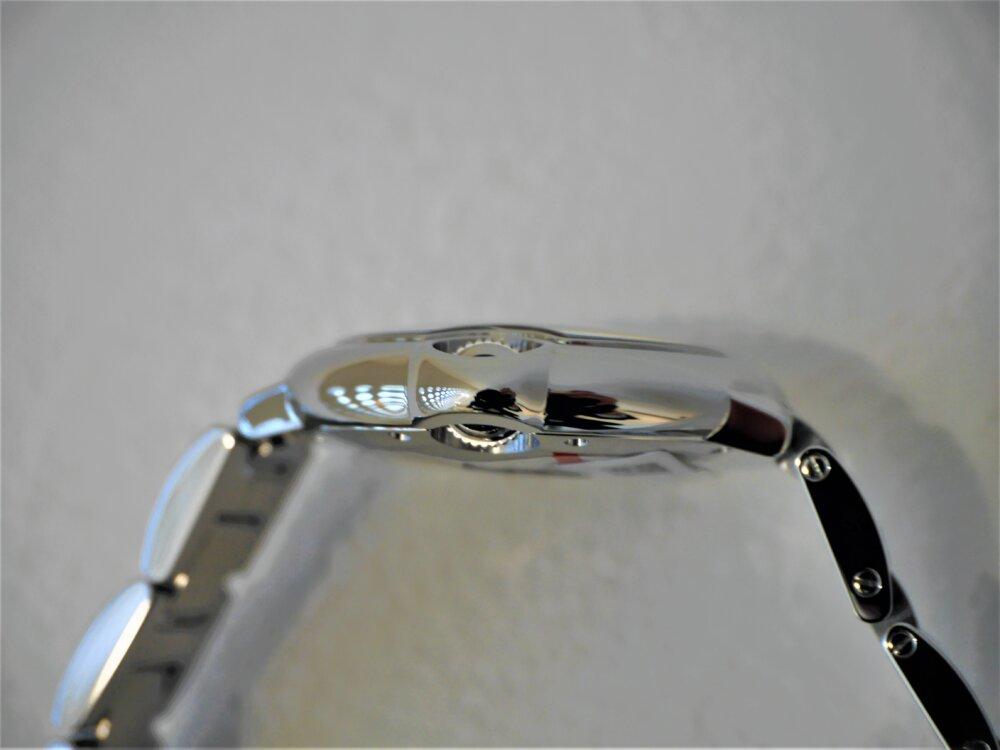 カルティエ丸形ケースを採用した人気のバロンブルー-Cartier -P1440906