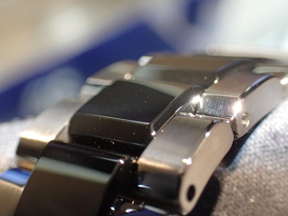 シンプルだけがグランドセイコーではない?ハイテク素材チタンとセラミックの融合「SBGC223」-Grand Seiko -P6258533