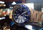 青×黒ベゼルのGMT機能+高い防水性を兼ね備えた「アクアレーサー」