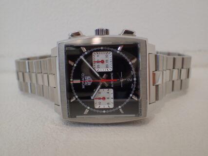 今も昔も男性の憧れを惹きつける伝説の時計は今では自社ムーブメントを搭載してより現代的なウォッチに!