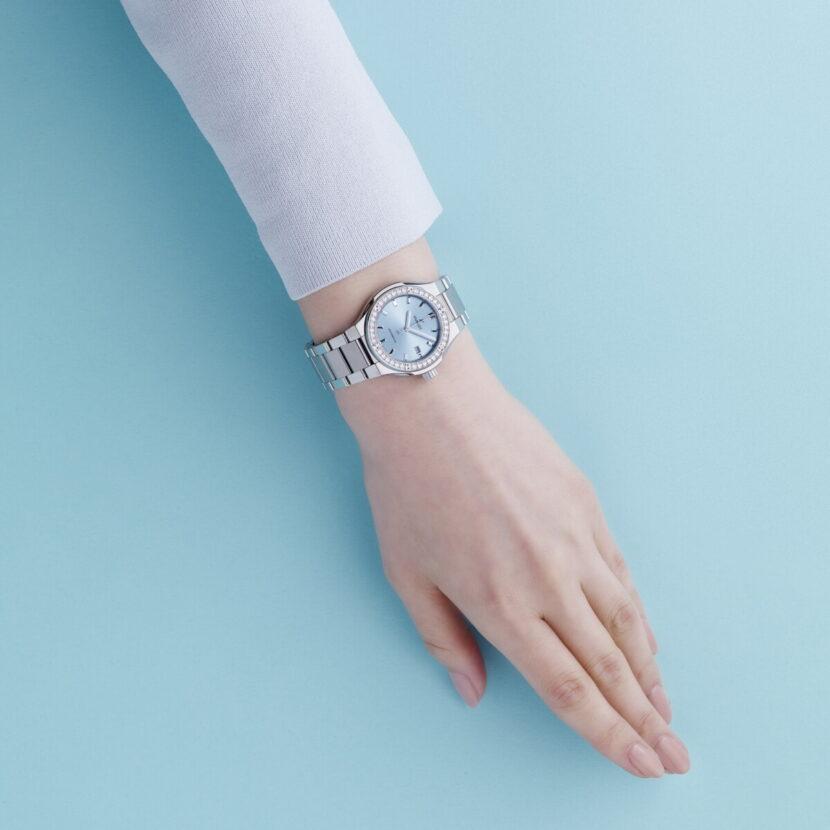 16002a7f58b462d466f83f9790499a2f-830x830 女性の腕時計との付き合い方が変わってきている?今、人気の腕時計の楽しみ方とレディスウォッチのトレンド7選