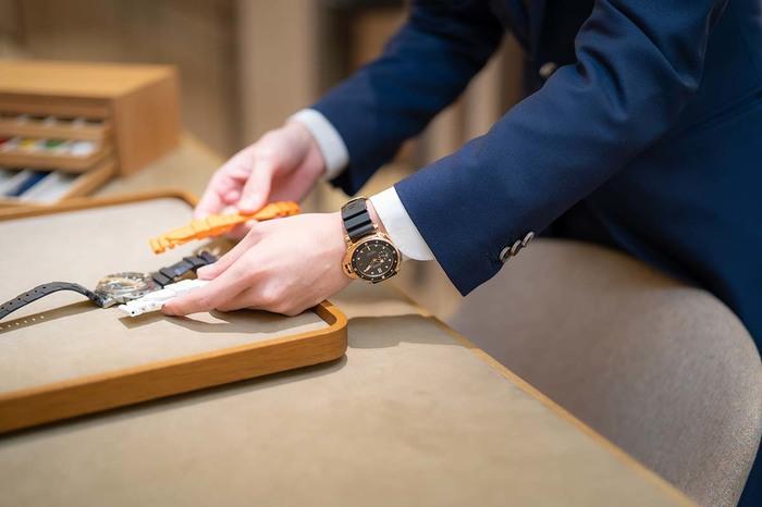 パネライ、ジャガー・ルクルト、タグ・ホイヤー...時計のプロは私物の時計をどう選んでいるの? マルちゃんの「プロの時計、見せてください」〜oomiya 心斎橋店編 - COLUMN |img_dddaa096089957eb4a309fb4d196ec4181218
